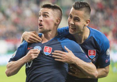 Eufória po futbalovom víťazstve Slovenska v Budapešti.