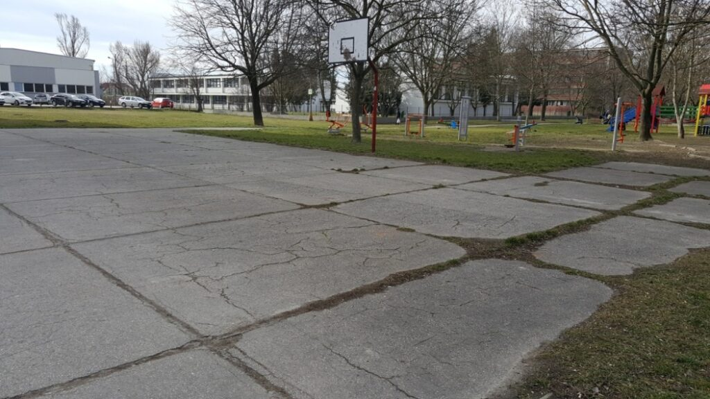 Moderny Samorin pre vsetkych sport basketbal Mestsky majer ihrisko