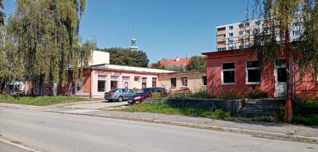 Moderny Samorin pre vsetkych bytovy dom Agora kozmeticky salon Skolska ulica