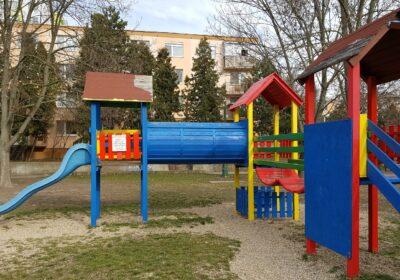Moderny Samorin pre vsetkych detske ihrisko Mestsky majer kam s detmi