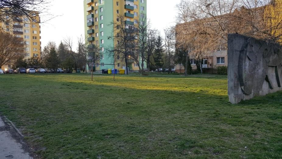 Moderny Samorin pre vsetkych sport futbal Mestsky majer ihrisko parkovisko
