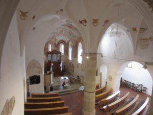 Moderny Samorin pre vsetkych povodny kostol stredoveký kostol kalvinsky kostol kalvini interier