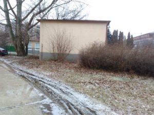 Moderny Samorin pre vsetkych Zakladna skola Mateja Bela brigada skolsky dvor stare kriky