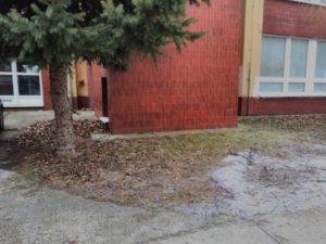 Moderny Samorin pre vsetkych Zakladna skola Mateja Bela brigada skolsky dvor okolie kotolne pred