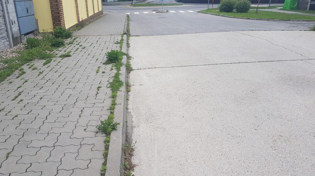 Moderny Samorin pre vsetkych Roundup burina chodniky
