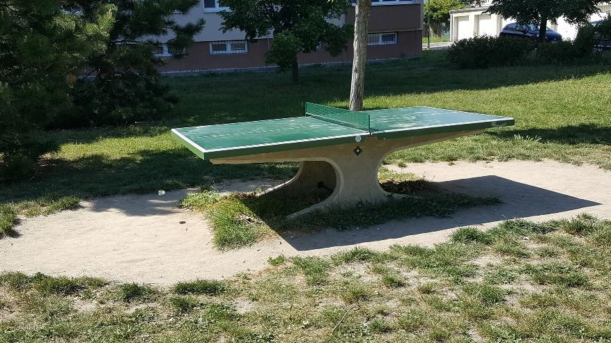 Moderny Samorin pre vsetkych sport stolny tenis Gazdovsky rad ihrisko